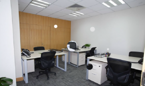 英麦格商务中心多人办公室